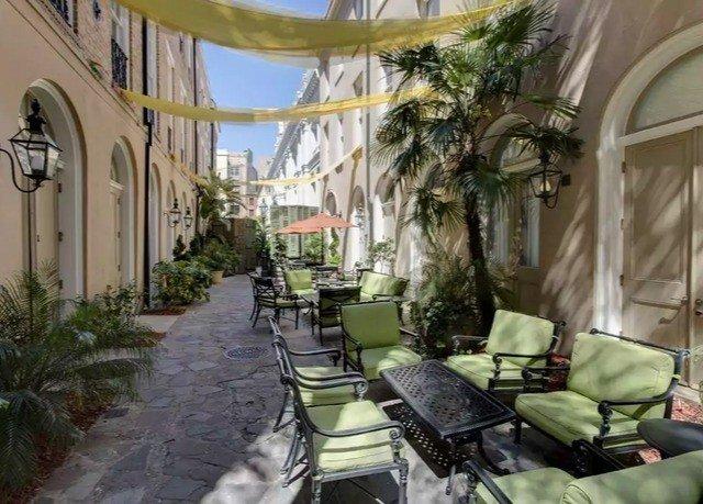 property building condominium Courtyard mansion Villa home hacienda cottage Resort