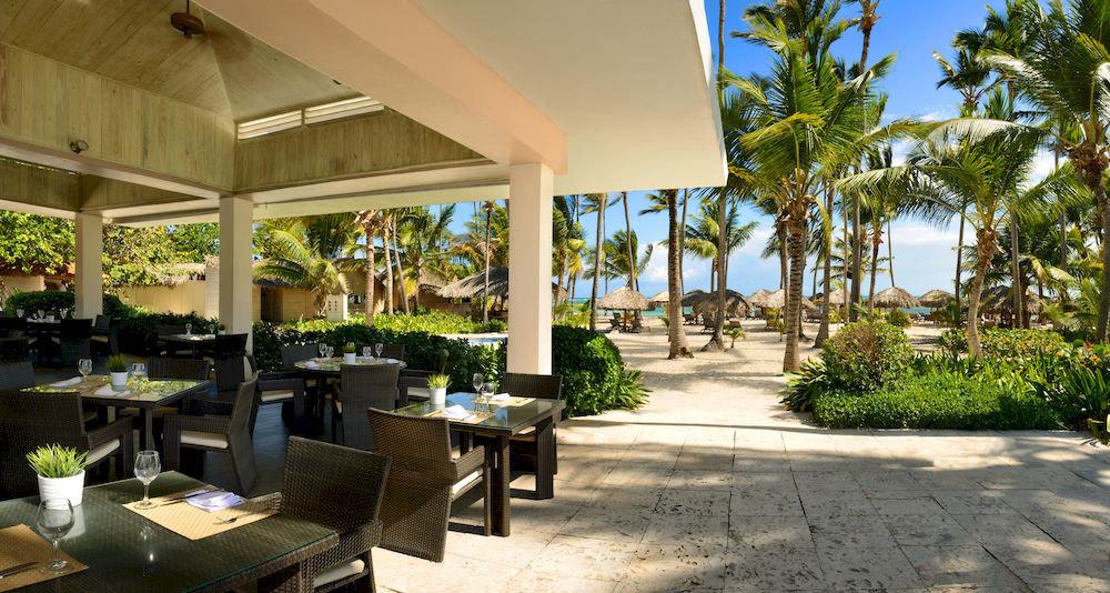 tree property Resort condominium home restaurant Villa Courtyard hacienda