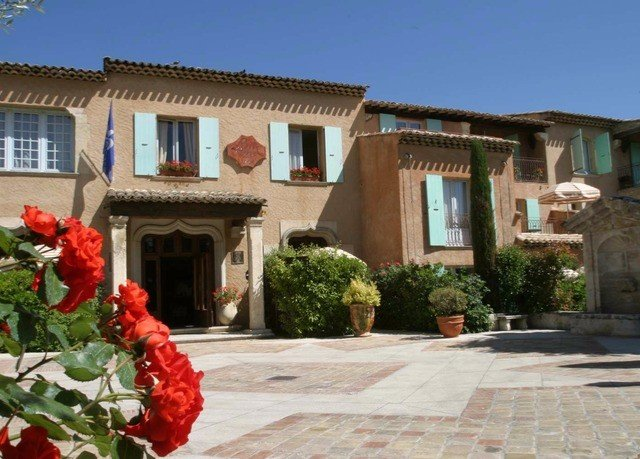 building sky property flower house Villa home hacienda cottage Courtyard mansion Resort Village stone