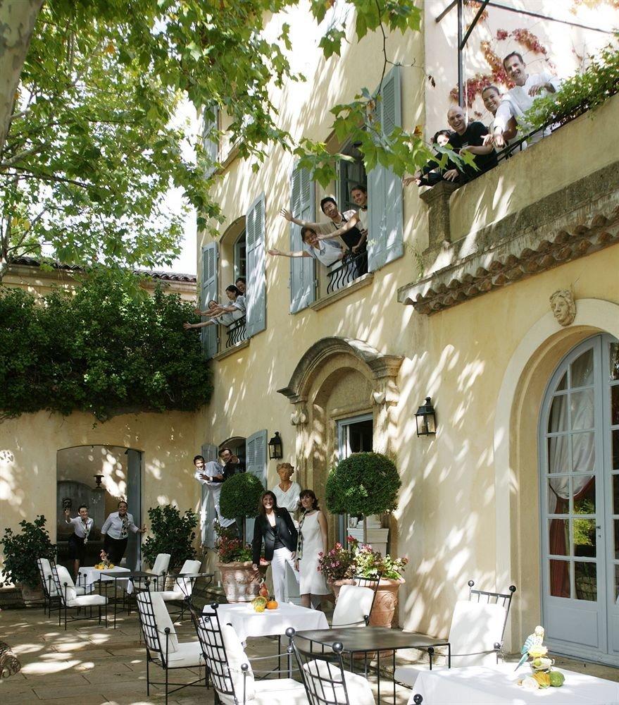 tree property Town neighbourhood home restaurant Courtyard mansion flower Villa