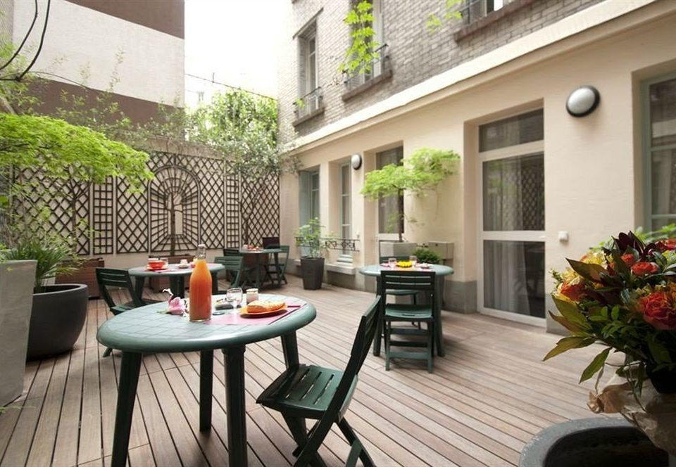 property condominium Courtyard home green backyard plant outdoor structure cottage porch Villa
