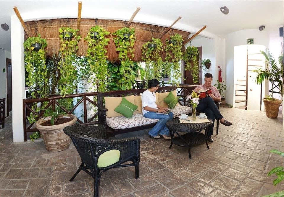 property Courtyard home Villa cottage hacienda outdoor structure backyard