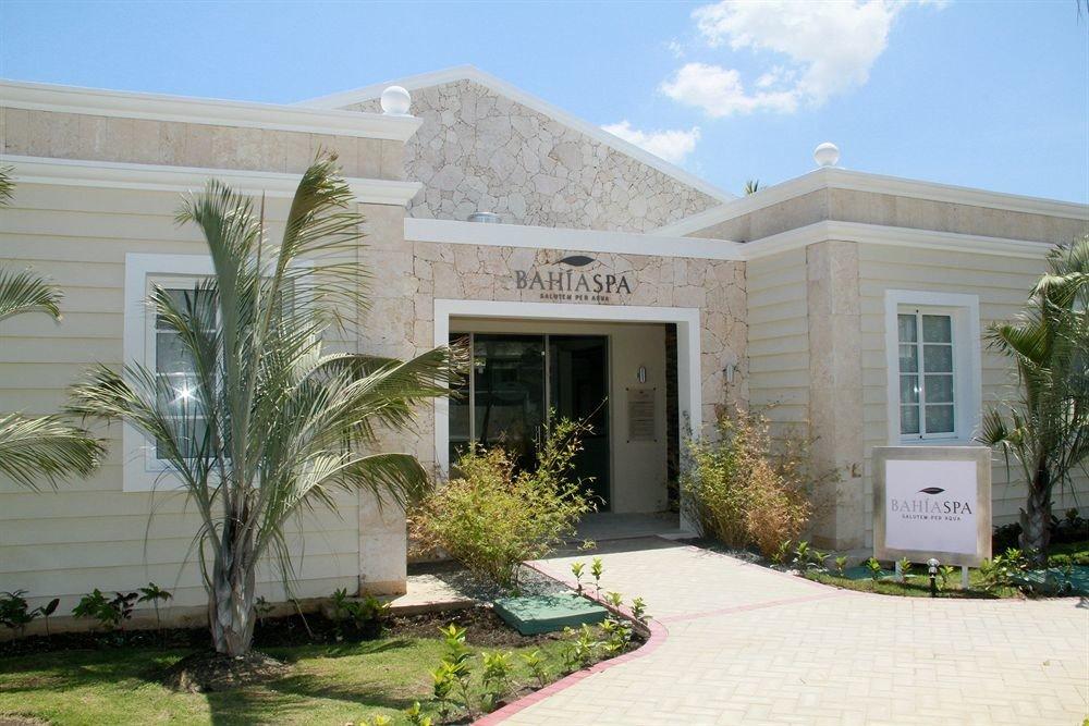 sky property house home building condominium Courtyard Villa residential area mansion stone