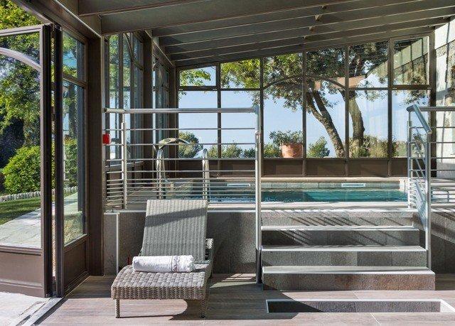 building property porch condominium outdoor structure home Villa Courtyard