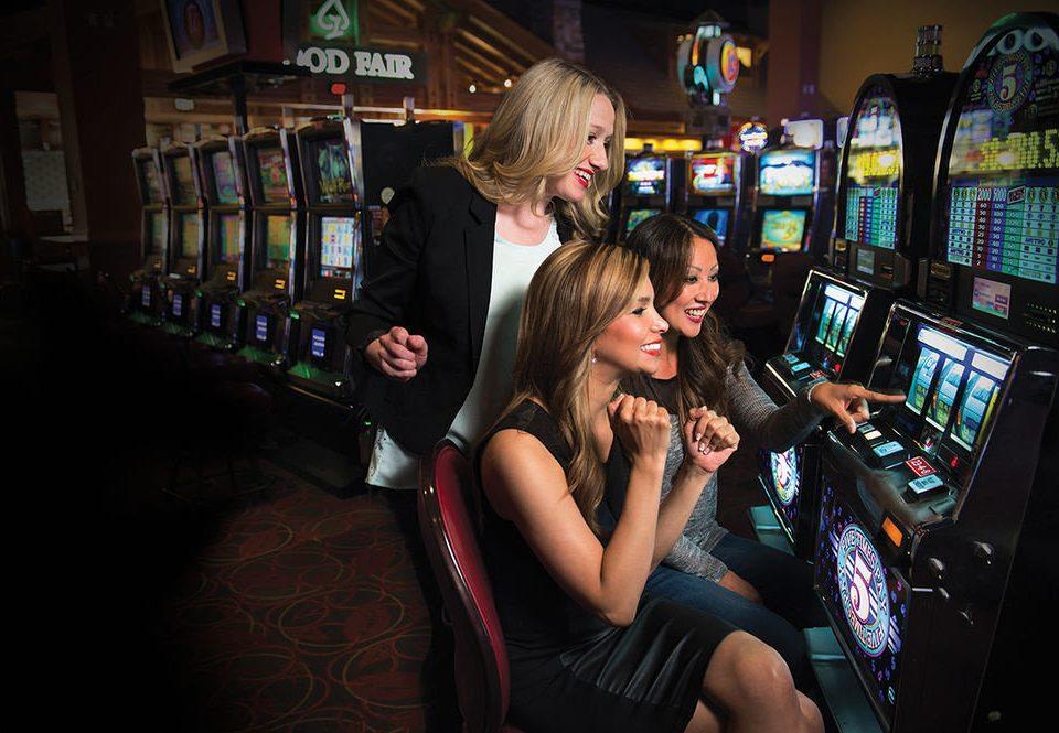slot machine nightclub crowd
