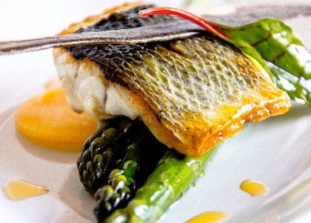 plate food fish cuisine garnish smoked salmon sardine vegetable
