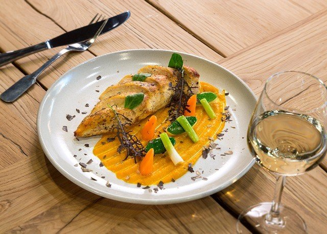 plate food fish cuisine restaurant vegetable meat piece de resistance