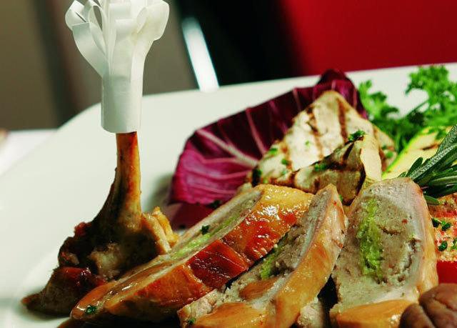 food plate cuisine meat salad restaurant vegetable vegetarian food snack food piece de resistance