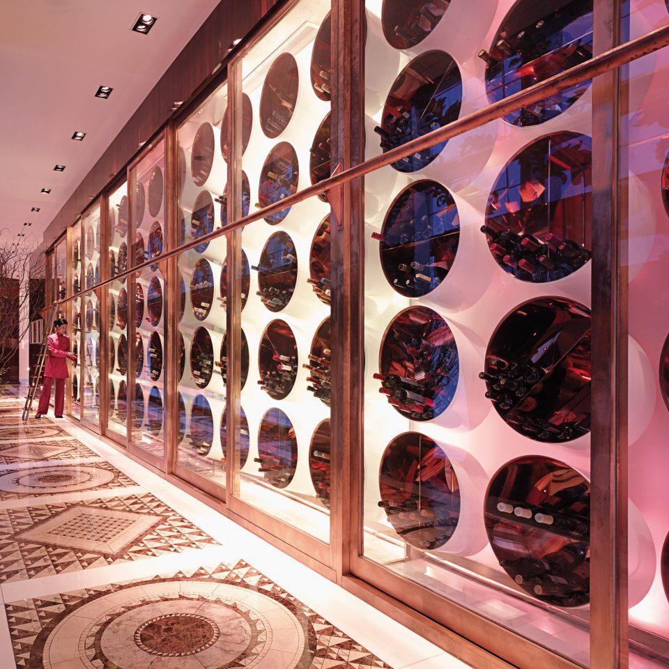 Cultural Modern shape retail