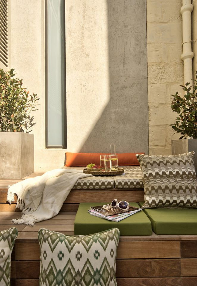 living room home flooring wallpaper tile curtain porch