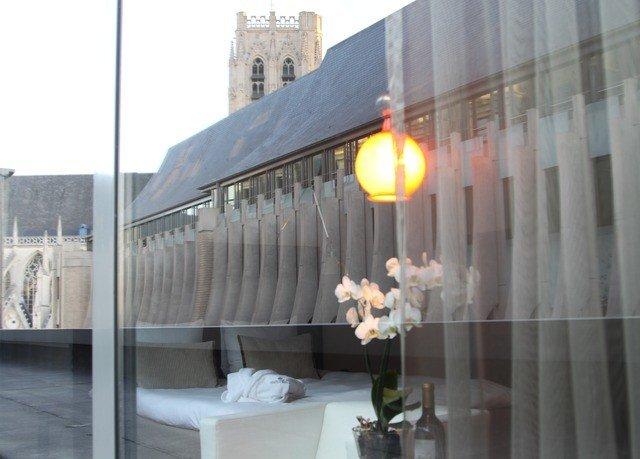 property lighting window treatment curtain