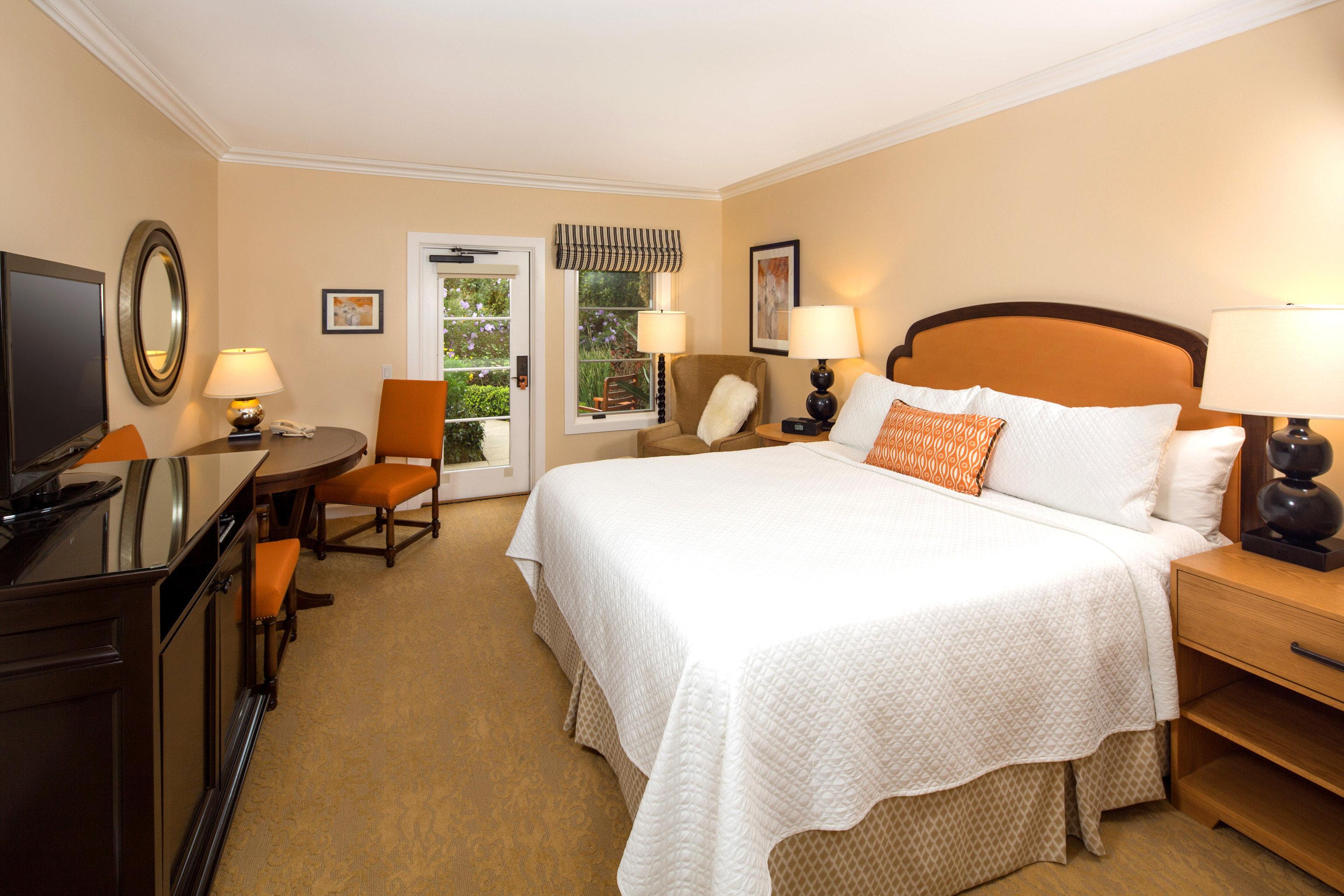 Bedroom Hotels Resort indoor wall floor bed ceiling room hotel property Suite real estate cottage estate apartment furniture tan