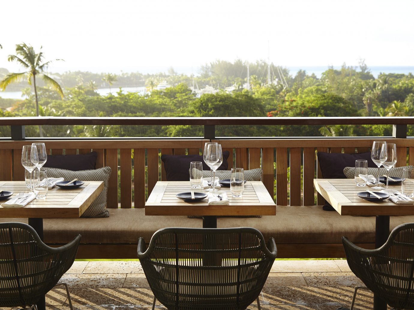 Outdoor dining at The Island House