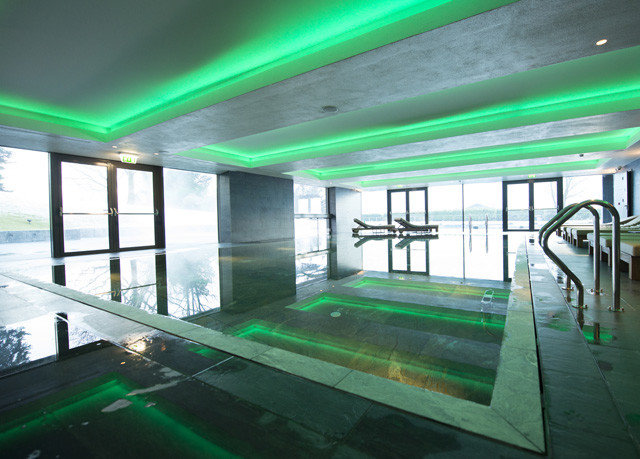 green swimming pool leisure centre sport venue daylighting lighting headquarters glass laser
