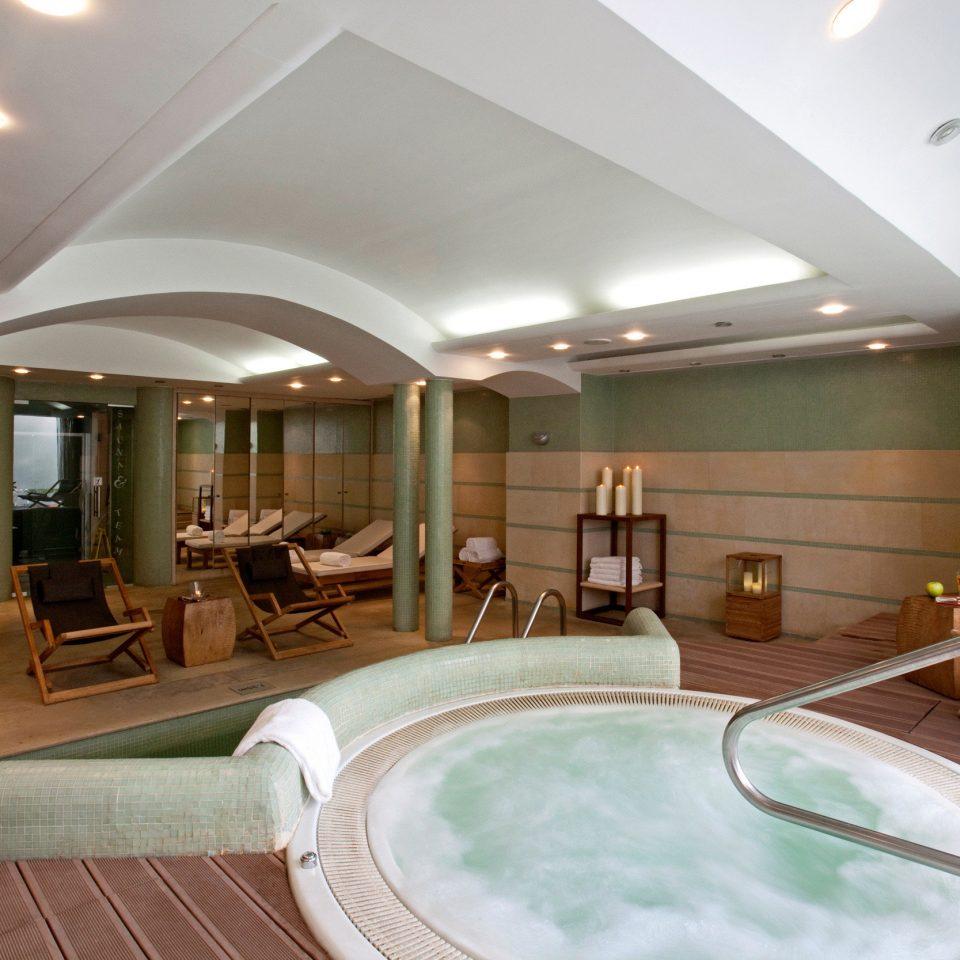 swimming pool property jacuzzi daylighting yacht mansion