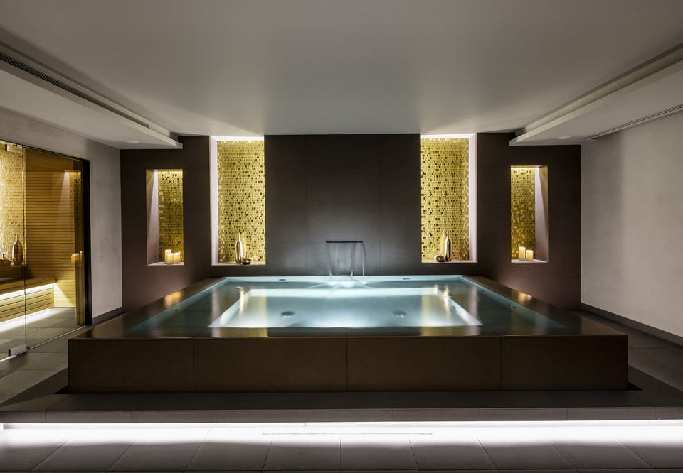 property swimming pool lighting daylighting sink mansion