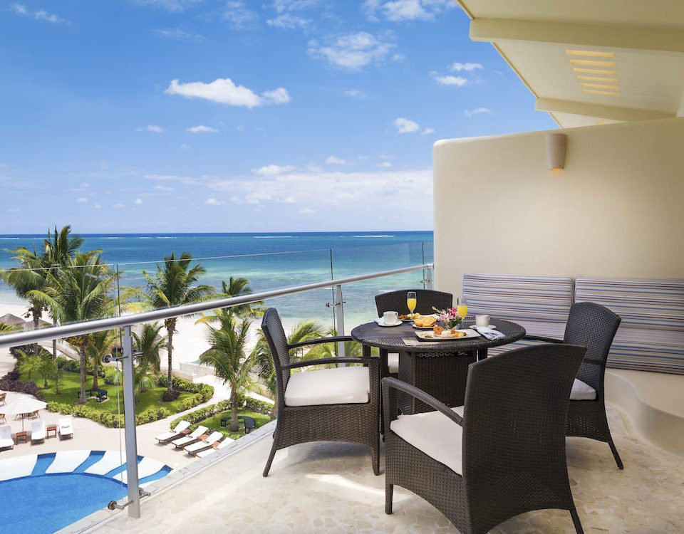 Dining Drink Eat Kitchen Lounge Luxury Modern chair property leisure Villa swimming pool condominium Resort home caribbean cottage Deck