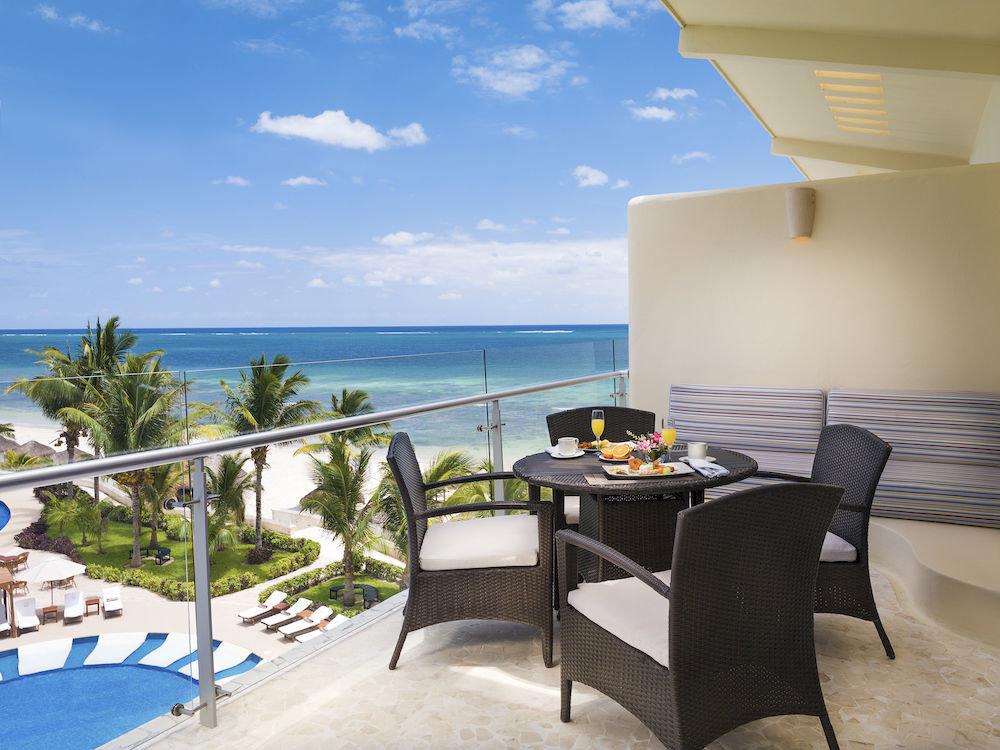 Dining Drink Eat Kitchen Lounge Luxury Modern chair property leisure Villa swimming pool condominium Resort home caribbean cottage Deck