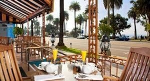 chair Resort property porch building wooden Villa Deck cottage Dining home hacienda eco hotel dining table