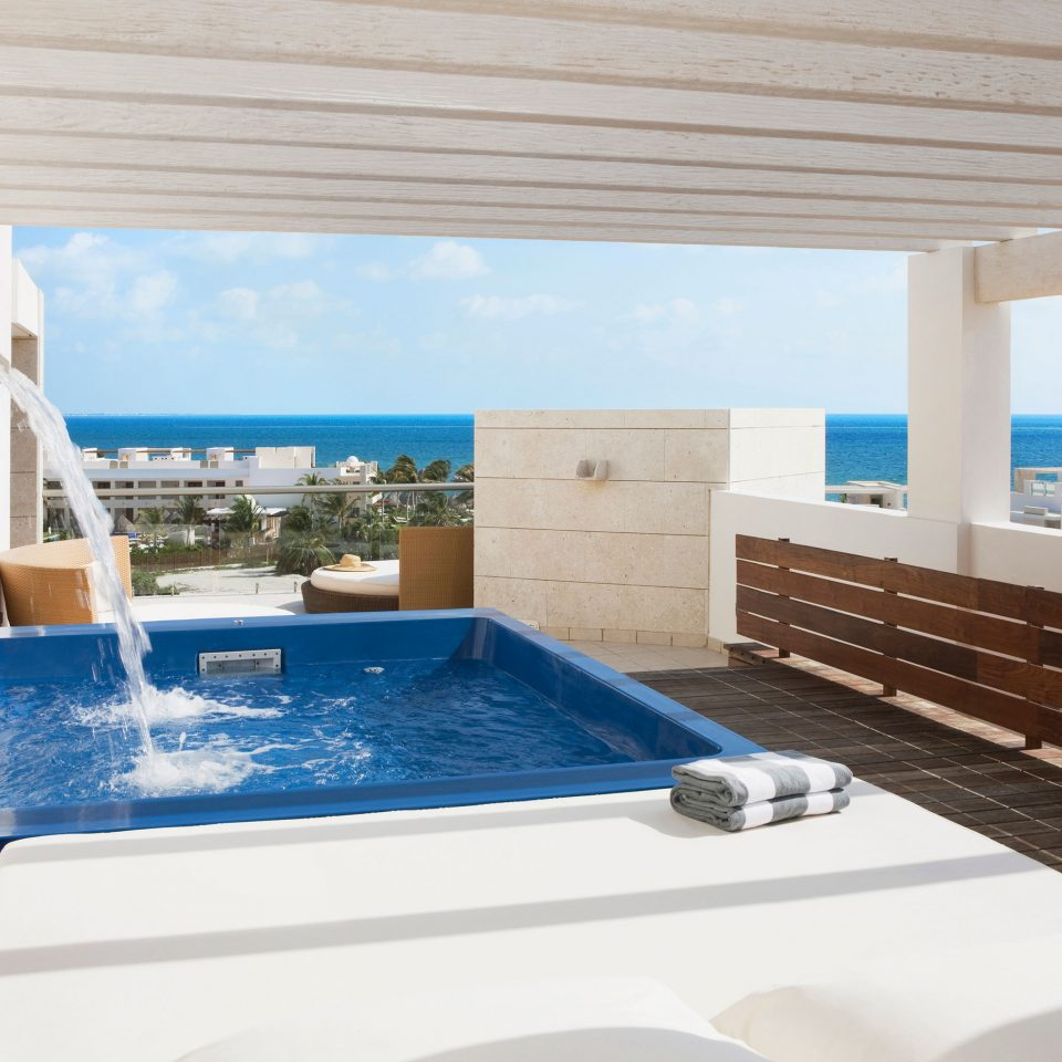 Hot tub Hot tub/Jacuzzi Luxury Modern Tropical Wellness swimming pool property jacuzzi Villa Suite blue Deck Resort