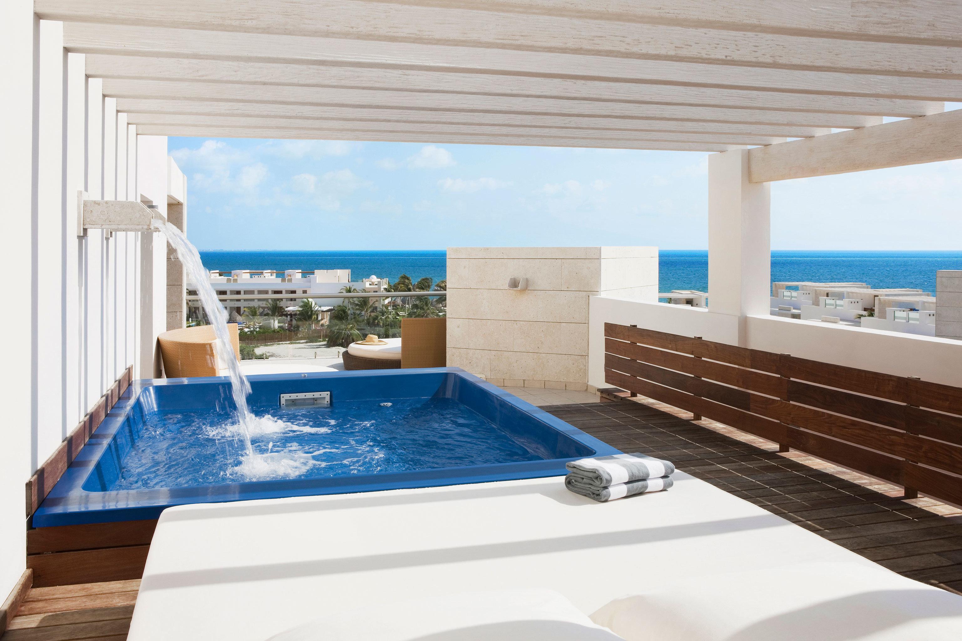 Hot tub Hot tub/Jacuzzi Luxury Modern Tropical Wellness swimming pool property jacuzzi Villa Suite blue Deck Resort