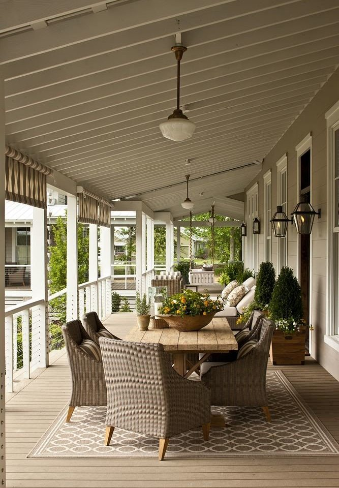 Inn Patio building property porch home living room outdoor structure lighting daylighting Deck condominium colonnade
