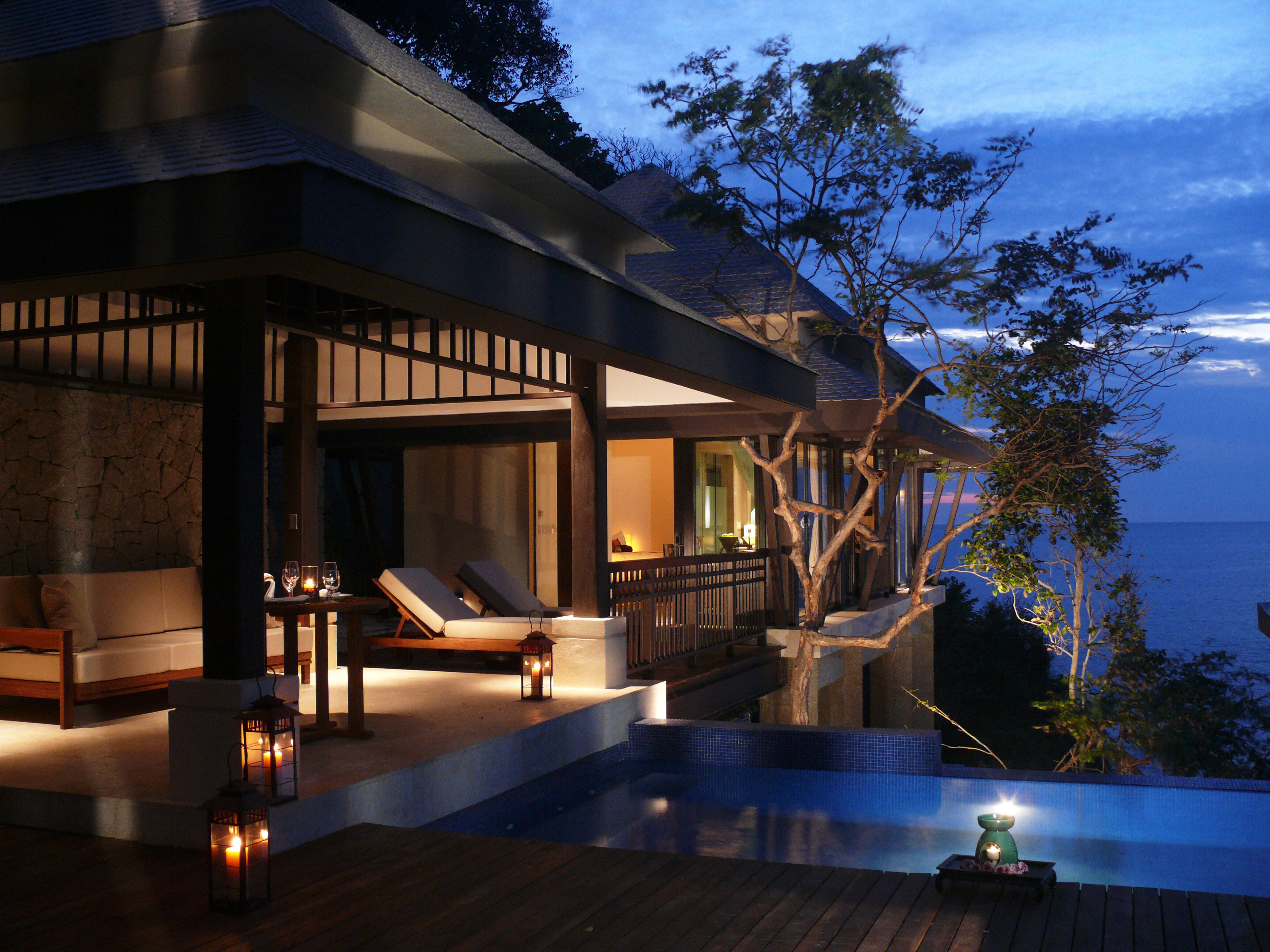 Deck Lounge Luxury Pool Romantic tree house property building home swimming pool landscape lighting Villa lighting Resort backyard mansion outdoor structure