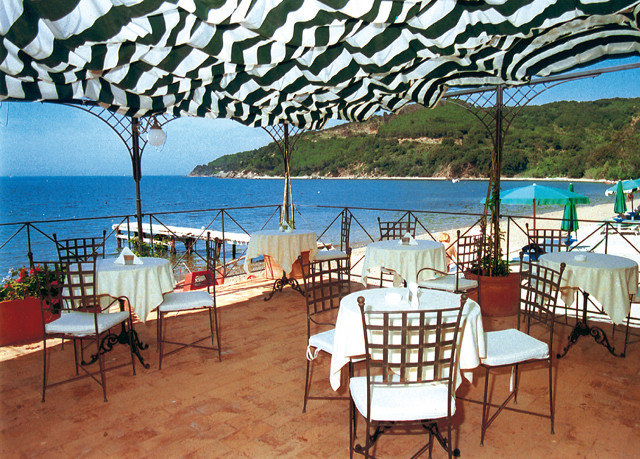 chair umbrella leisure property Resort restaurant Villa Ocean caribbean cottage set Deck