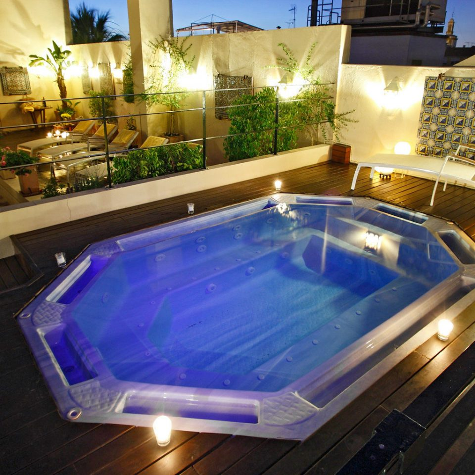 Deck Outdoors Pool Rooftop swimming pool property jacuzzi Villa
