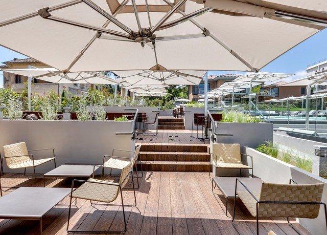property outdoor structure Resort plaza Patio condominium orangery Deck