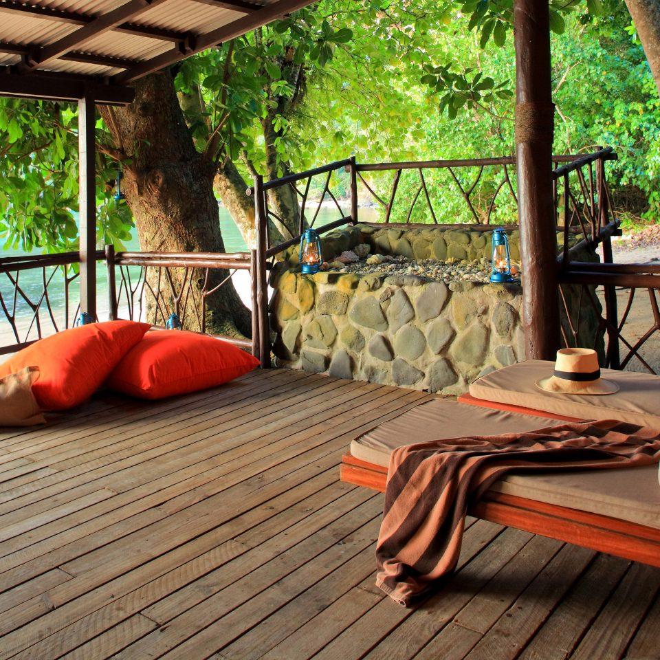 tree leisure building Resort outdoor structure cottage backyard porch Deck