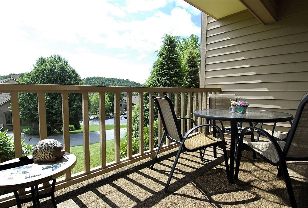 Resort Romantic building chair property porch backyard cottage outdoor structure home Deck Villa yard