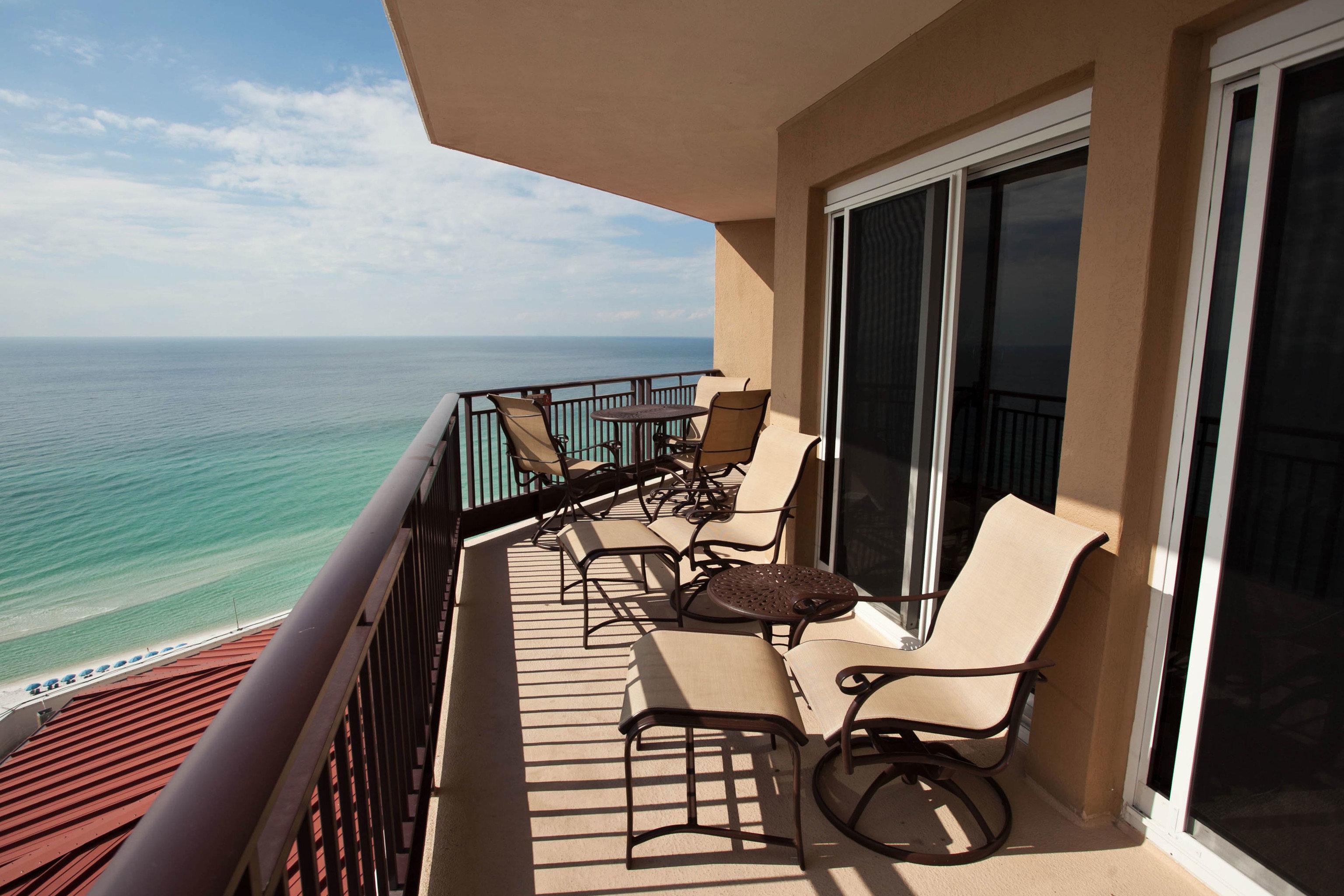 property home Villa condominium cottage Resort Suite Deck