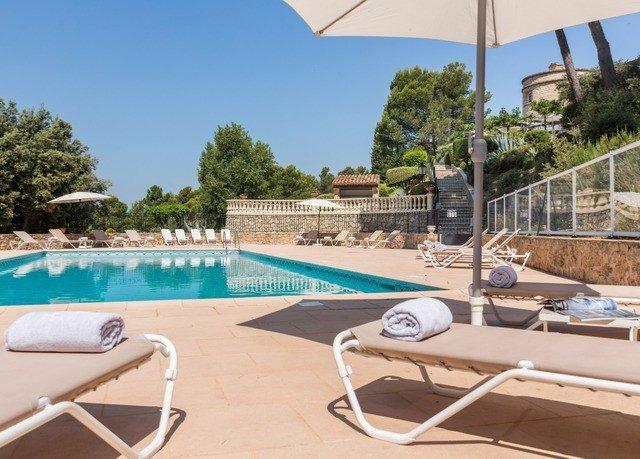 sky tree swimming pool chair property leisure Villa condominium Resort lawn backyard Deck day