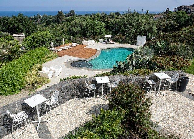 tree sky property swimming pool Villa Resort lawn backyard cottage mansion Deck