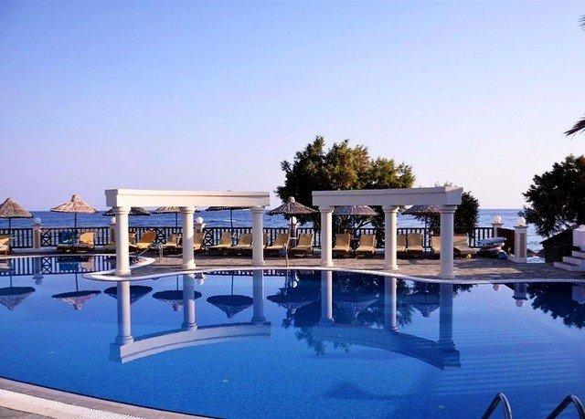 sky swimming pool leisure property Resort marina dock Villa condominium lawn blue Deck swimming day