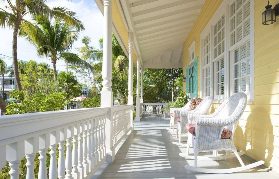 building porch property Resort home Villa condominium mansion cottage outdoor structure Deck colonnade