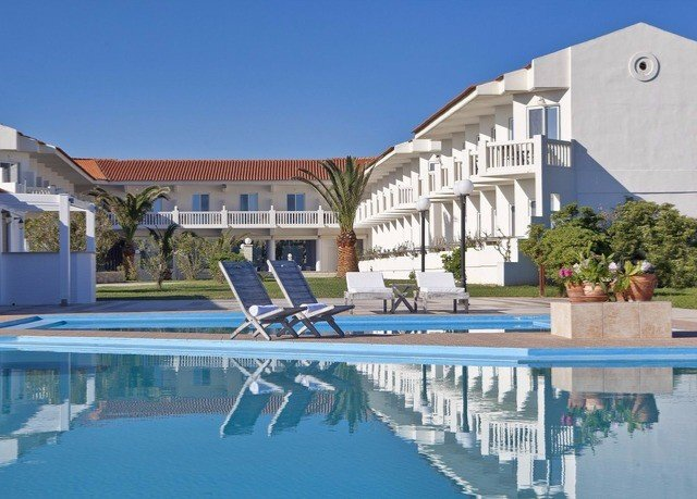 building sky swimming pool property marina Resort dock reflecting pool Villa condominium Deck