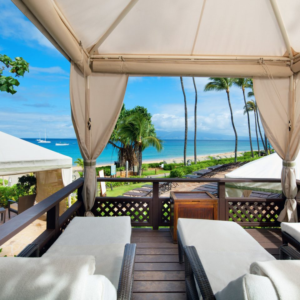 sky tree property Resort Villa home caribbean swimming pool restaurant condominium Deck
