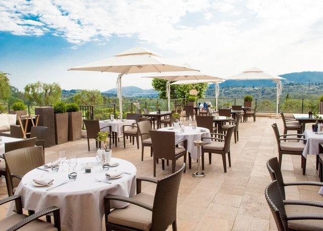 sky chair property Resort restaurant Villa set Deck dining table