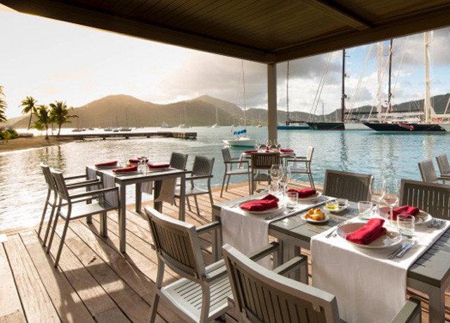 sky chair property restaurant Resort yacht vehicle cottage Villa Deck overlooking set