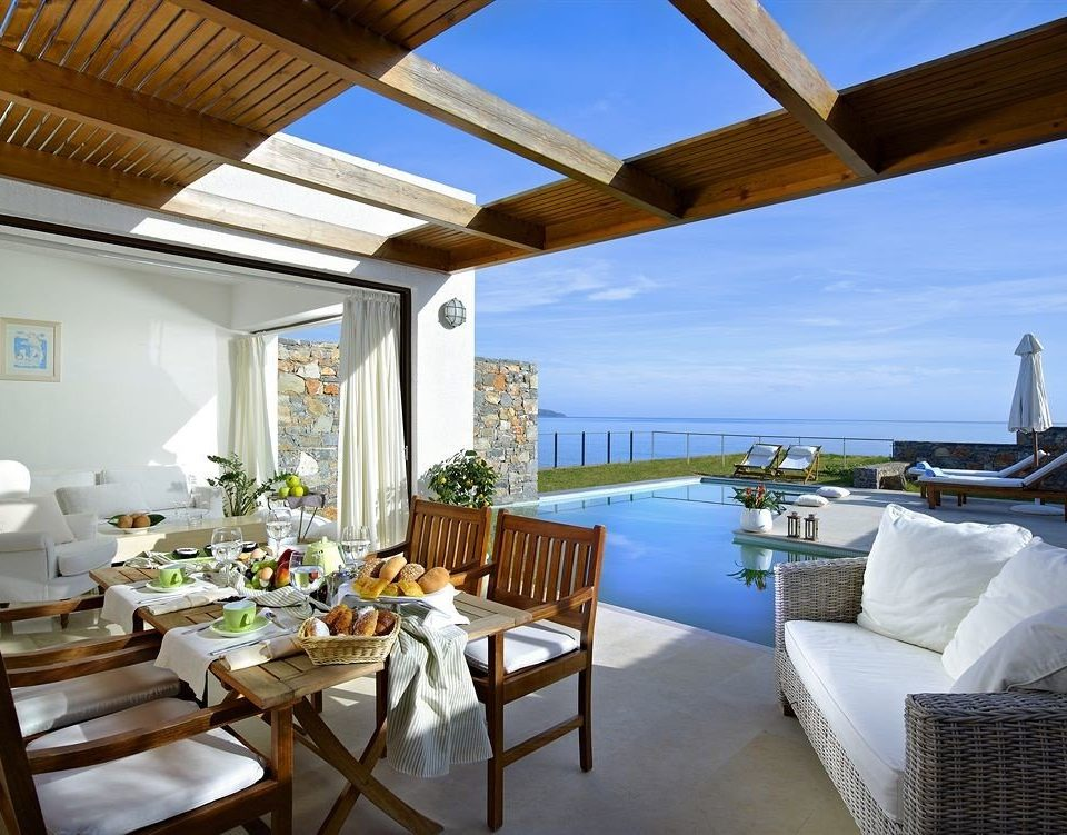 chair property Resort Villa home restaurant cottage condominium Deck overlooking