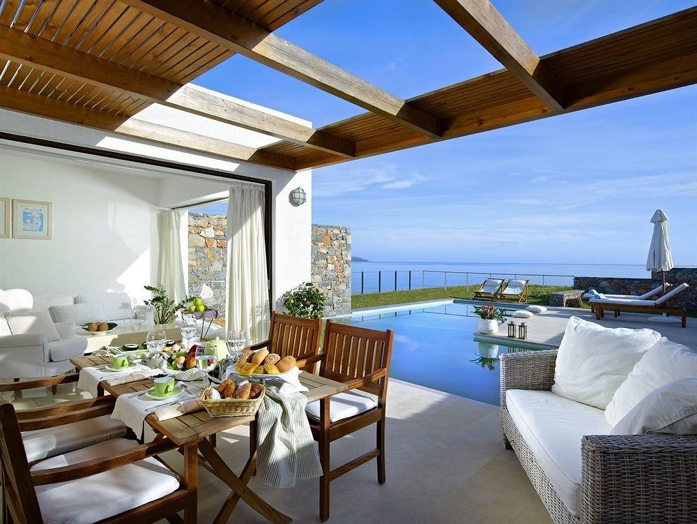 chair property Resort Villa home restaurant cottage condominium Deck overlooking