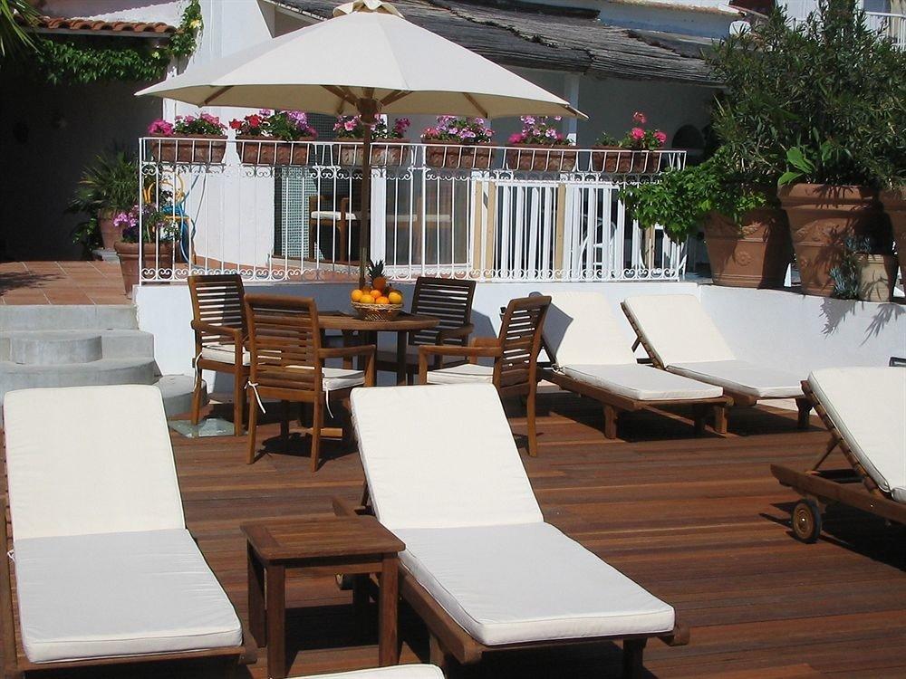 restaurant Resort wooden outdoor structure Villa Deck