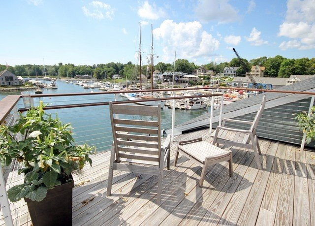 Weekend Getaways sky dock property walkway wooden marina outdoor structure Deck swimming pool waterway boardwalk Resort shore day