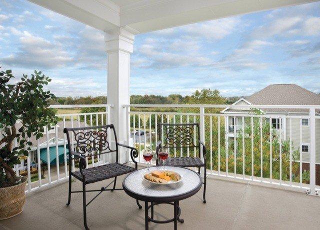 building property chair porch home Villa condominium outdoor structure cottage backyard Deck