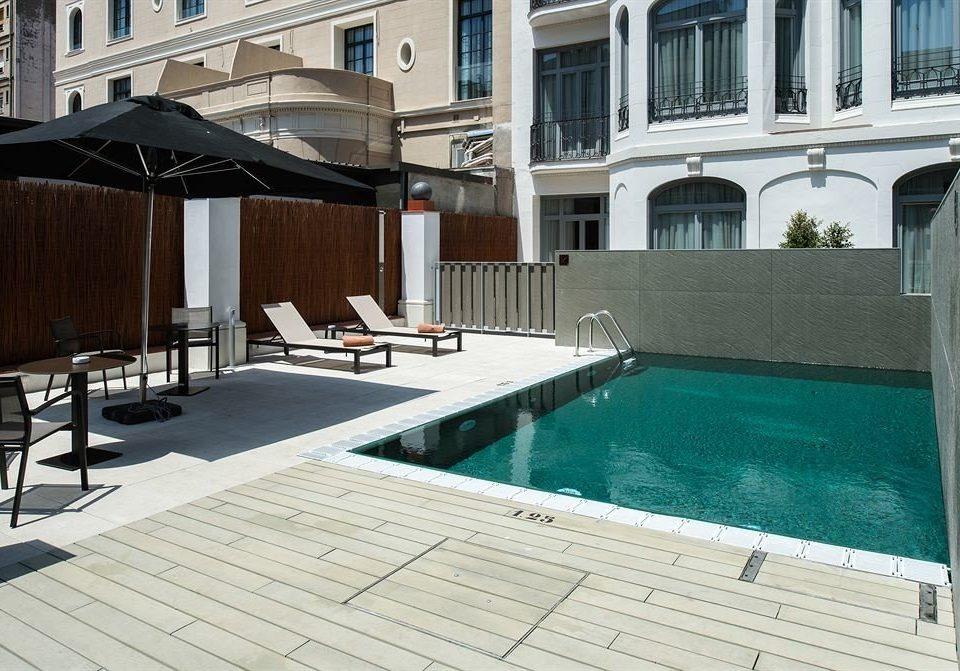 building swimming pool property condominium Villa Deck backyard outdoor structure mansion