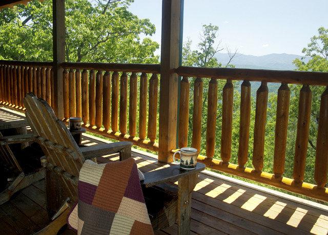 building property Deck outdoor structure cottage baluster porch Villa colonnade