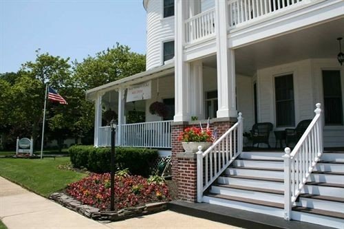 building property porch outdoor structure home handrail Deck baluster condominium Villa walkway cottage