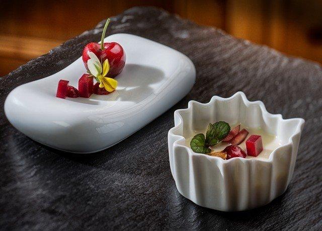 plate food plant dessert petal flower fruit sweetness flavor dishware
